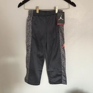 Jordan Boys Therma-Fit Sweatpants Size 4